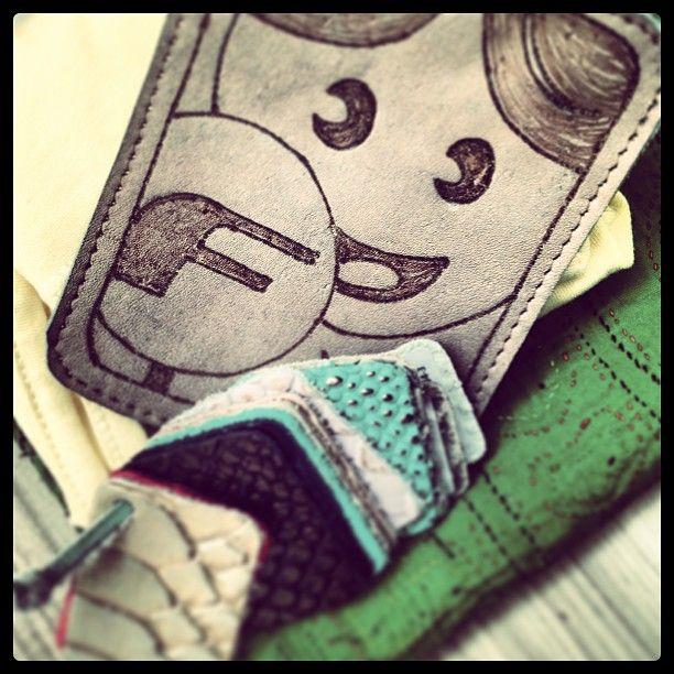 Doll en cueros (www.fabricamusic.com)  www.agateacolombia.com