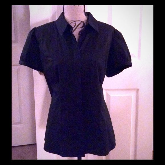 ⬇️Price Drop⬇️Short Sleeve Button Down Shirt Black Short Sleeve Button Down Shirt. Worthington Tops Button Down Shirts