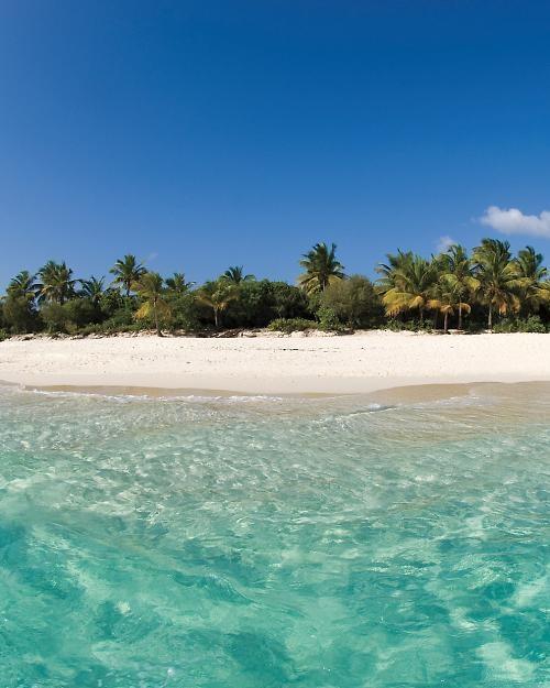Adventurous Honeymoons: Visit a Desert Isle in British Virgin Islands - Martha Stewart Weddings Honeymoons