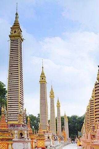 Thanboddhay (Thambuddhei) Paya Buddhist temple, Monywa, Sagaing, Myanmar…