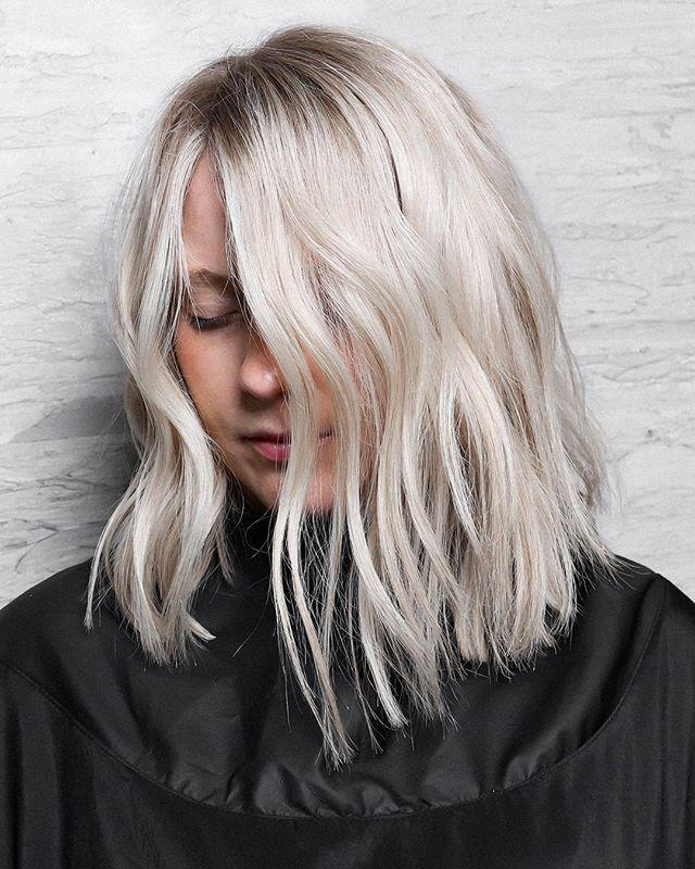 Ice Blonde Balayage Baby Lights Shadow Root Platinum Blonde Silver Blonde Kecantikan Rambut Rambut Rambut Balayage