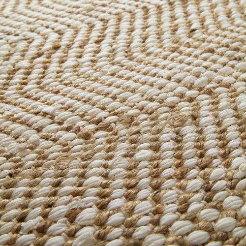 Tapis en toile de jute beige 140 x 200 cm BARCELONE Réalisé pour 60% en coton et pour 40% en jute, ce tapis beige est de dimensions moyennes. Toute...Lire la suite