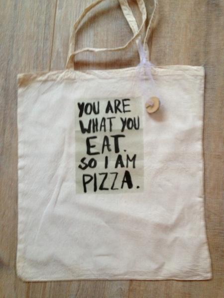 Je bent wat je eet ;) Linnen tas / canvas tote: ecru van Fandastic!