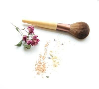 maquillaje para la rosácea, maquillar la rosacea, maquillaje apto para la rosacea, rosacea, rosácea, rosacea maquillaje, maquillaje rojez, maquillaje piel sensible, maquillaje natural, organico