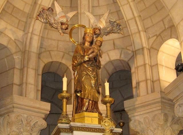 Cripta de la Catedral de la Almudena Virgen de la Almudena
