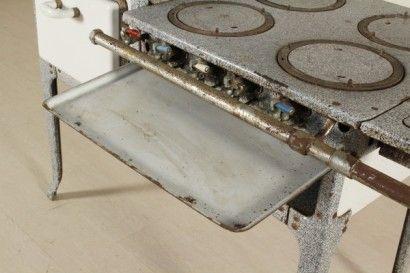 Cucina a gas anni 50 #dimanoinmano #modernariato #midcentury #arredamento #furniture #design #italiandesign