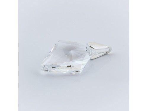 ZAWIESZKA SWAROVSKI RHOMBUS 27MM CRYSTAL SREBRO 925 - W1290 Materiał: Srebro 925 + kryształ Swarovski Elements Kolor: Crystal Rozmiar kamienia: 27.0mm Wysokość całej zawieszki: 34,0mm Waga srebra: 0,6g ( 1szt ) Waga całej zawieszki: 4,3g ( 1szt)