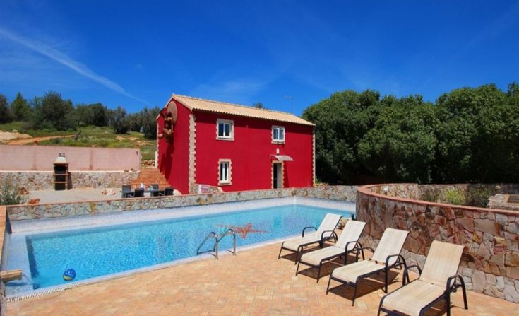 Rental Holidays Rustic Villa in Quinta dos Vales, Algarve (Portugal). Photos of our catalogue of rental holiday villas in the Algarve, Portugal. Ideal for weddings, events, meetings, celebration, birthdays, stag parties, hen parties, holidays, family vacations, romantic trips and more!