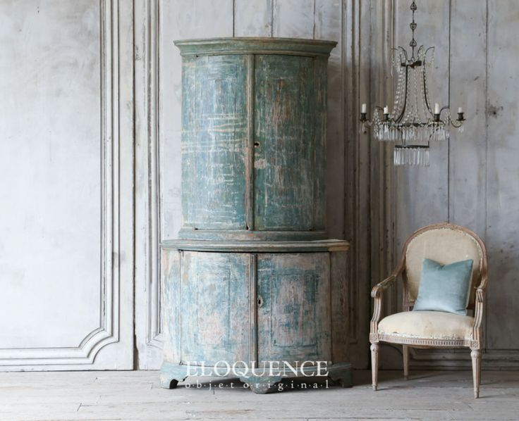 Antique Swedish Corner Cabinet from Eloquence