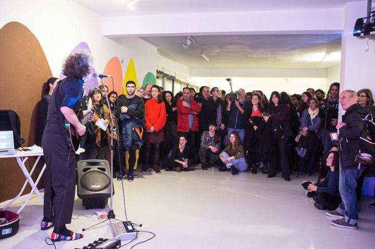 http://www.elculture.gr/en/like-water-on-a-buffet/