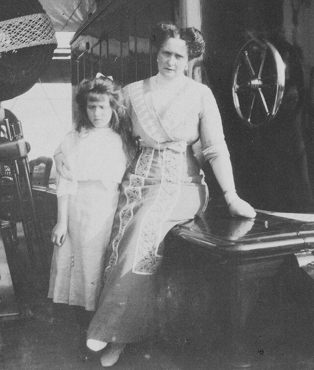 Grand Duchess Anastasia with her mother Empress Alexandra