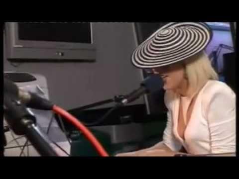 Lady Gaga singing Viva La Vida - Radio 1