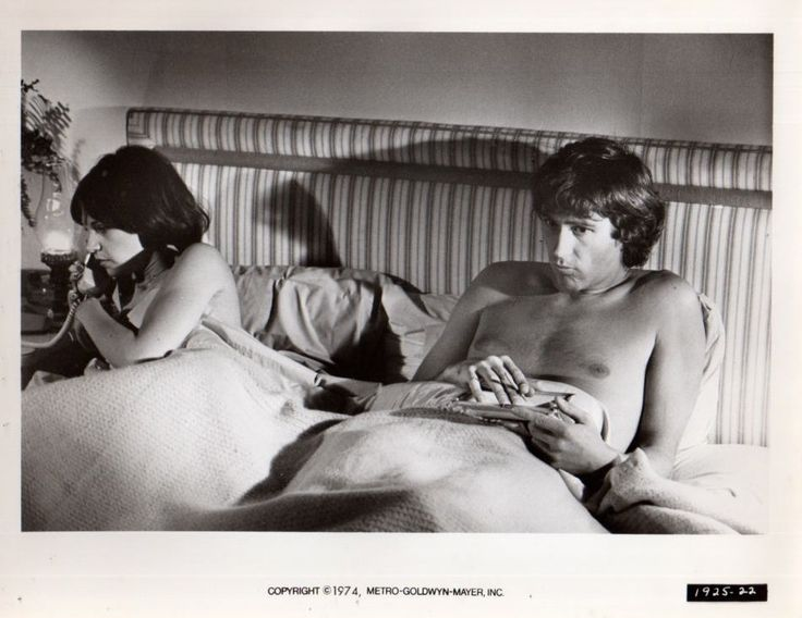 Cindy Williams Shirtless Actor in bed Original 8x10 Photo F13287 | eBay