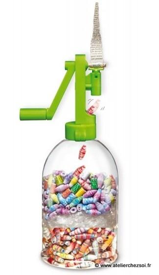Nouveaux jeux créatifs et écolo -> Faites des perles en papier recyclé avec 4M green creativity