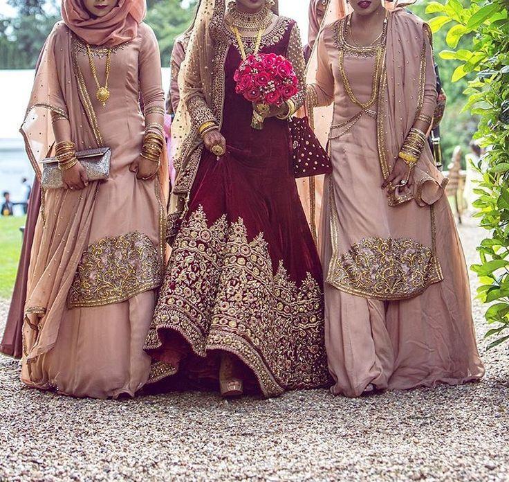 Exquisitely dressed bride and bridesmaids❤️