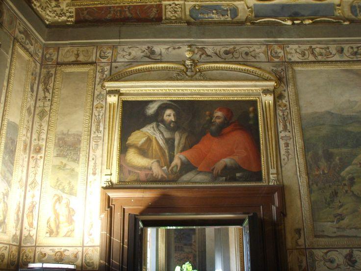 Sala di Clemente VII, Clemenet VII e Francesco I di Francia.Clement VII room in Palazzo Vecchio (Florence)Portrait paintings by Giorgio Vasari.