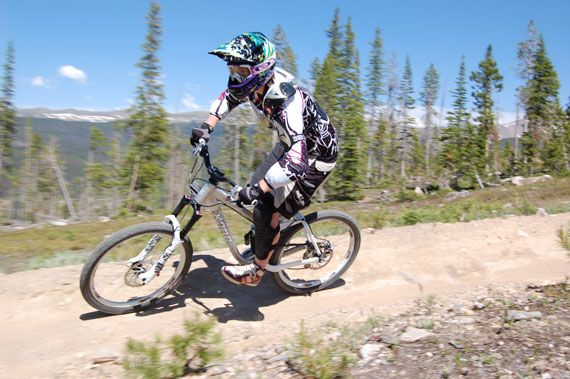Learning How to Downhill Mountain Bike: A Woman's Perspective | Singletracks Mountain Bike News