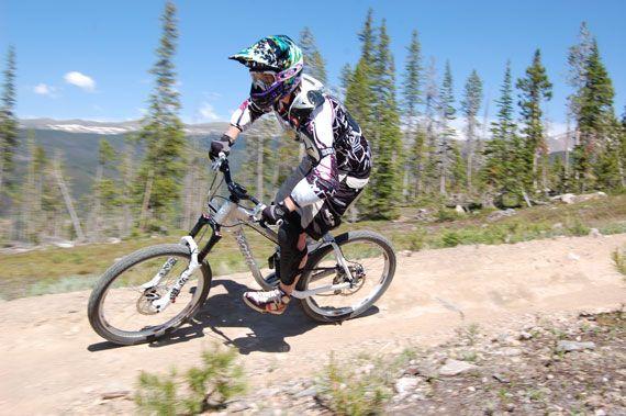 Learning How to Downhill Mountain Bike: A Woman's Perspective | Singletracks Mountain Bike News