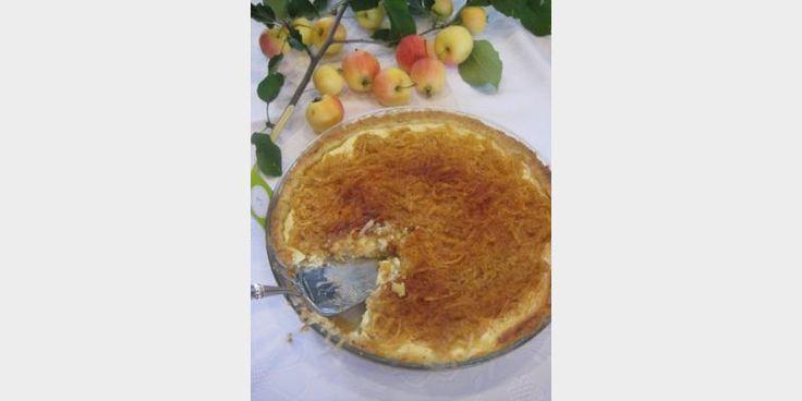 Valmista Paras omenapiirakka rahkatäytteellä tällä reseptillä. Helposti parasta!