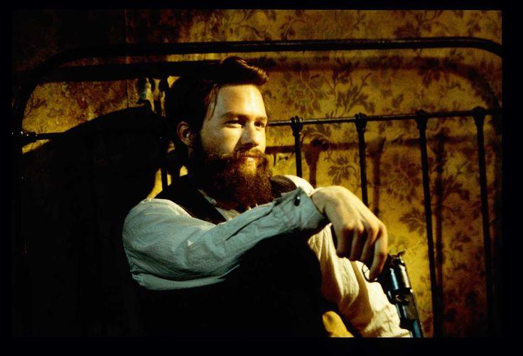 Feature Film Ned Kelly - Heath Ledger - Orlando Bloom - Naomi Watts - Geoffrey Rush - Armorer John Fox