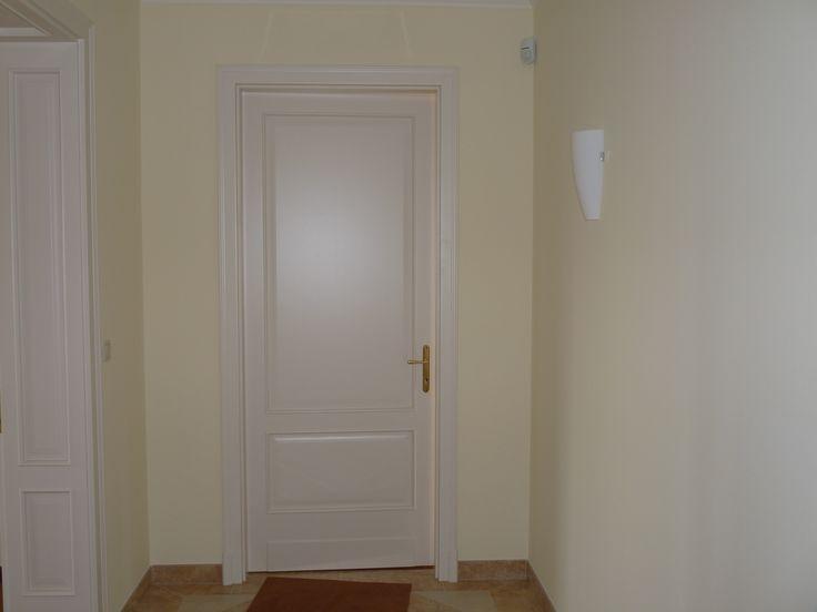 klasszikus ajtó, egyedi borítással