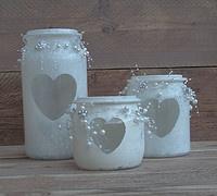 glazen potjes..pretty! http://www.woondeko.nl/Fotogallerij.php?view=preview&category=8&image=90