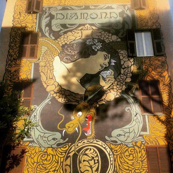 'Hic sunt adamantes', opera dello street artist Diamond in via di Tor Marancia a Roma.