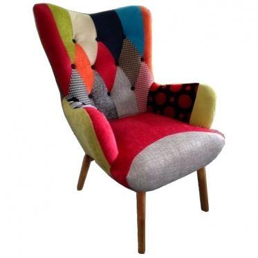 Fauteuil Scandinave patchwork coloré, fauteuil arlequin confortable de style nordique. Mettez de la couleur dans votre maison