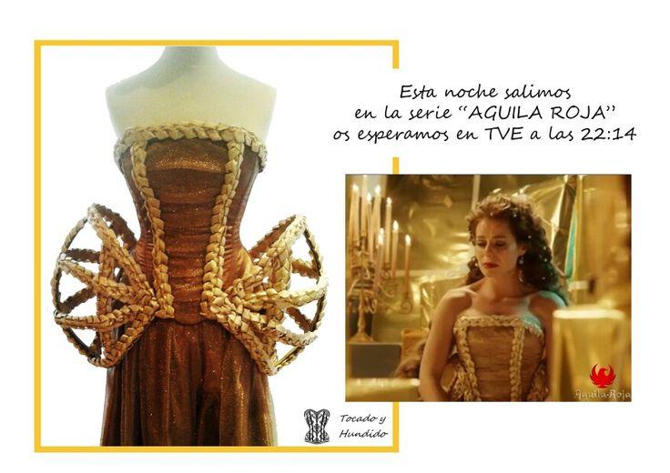 """Hoy os desvelamos nuestro secreto mejor guardado desde hace un año!  Si...  En el capítulo 100 de la serie """"ÁGUILA ROJA""""  el corsét principal es nuestro...   si ese que tanto preguntabais jeje esta noche no podéis perderoslo en TVE a las 22:14h  ➖➖➖➖➖➖➖➖➖➖➖➖➖➖➖➖ #corsetsmadrid #corsets #Madrid #luxury #aguilaroja #tve #series #look #lookoftheday #love #bestoftheday #best"""