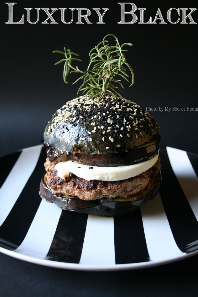 RICETTA SU - RECIPE ON http://www.mysecretroom.it/black-burger-buns/