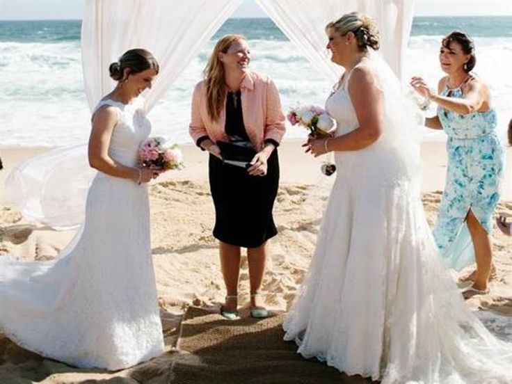 Klara McMurray [MELBOURNE] Young, fun and funky celebrant, passionate about marriage equality and making your big day simply fabulous!
