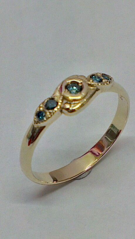 9ct ring with blue diamonds
