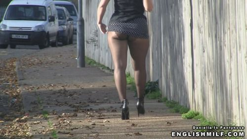 sexy nylon ass short skirt and pantyhose in public - http://www.englishmilf.co.uk/daniella-pantyhose/