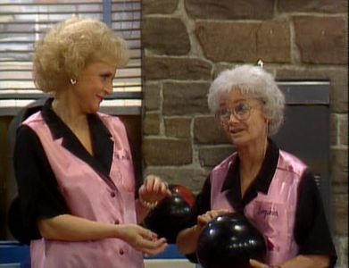 I've always loved the bowling episode - i mean look at the satiny-sheen of those bowling tops!