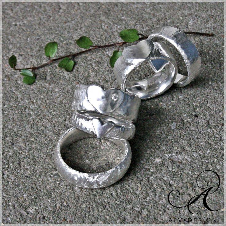 Alv Design handarbetar speciella och rustika silverringar med och utan ädelstenar. Välkommen att se mer i webbutiken www.alvdesign.se