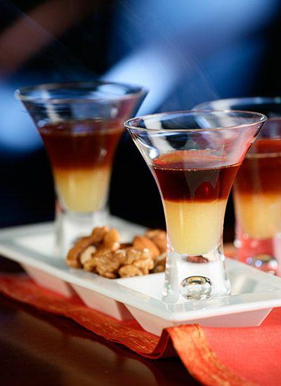 So y Sombra Café Esta es una bebida creativa y diferente que incorpora sabores y texturas en un solo trago. Sorprenda a sus invitados con esta preparación al terminar una cena especial.