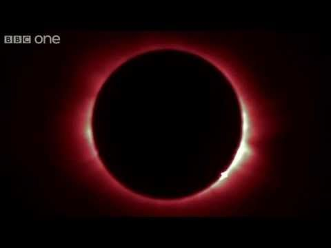 Fascinating footage of the diamond ring effect from Friday's total solar eclipse - Yahoo News