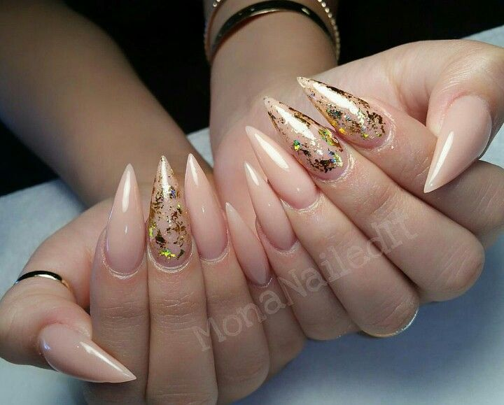 Stiletto Nails nude with gold foil. #nude#nails#gold
