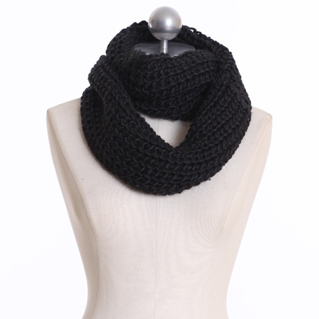 classic knit tubular scarf in blackBlack Scarves, Diy Knits, Classic Knits, Bad Winter, Black Scarf, Tubular Scarf, Style Pinboard, Knits Tubular