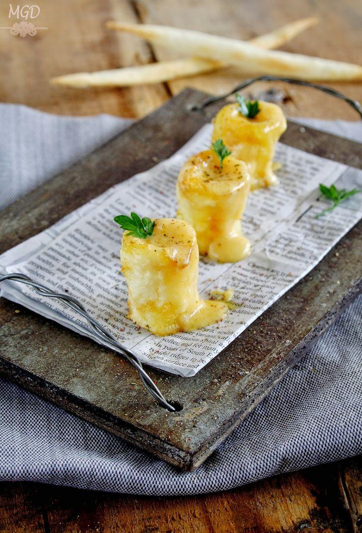 Patatas confitadas rellenas de fondue de queso