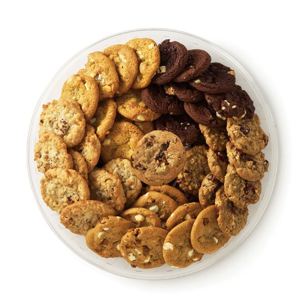 Gourmet Cookies A delicious array with something for everyone. Calypso Crunch and three kinds of cookie bites: Chunky Chocolate Chipper, macadamia, and Triple Ripple. Publix Serves 16-20 $15.99