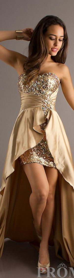 Beautiful Gold Gown! Need it and a Night Out on the Town!! <3 Gorgeous!!