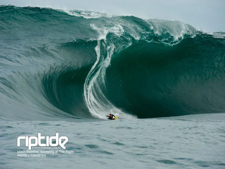 There are 7.48 gallons of water in a cubic foot. A gallon weighs 8.3 pounds. That cubic foot represents 62 pounds. Our bathtubs hold about 40 gallons or 300 pounds. Look at this wave & do the math. I don't use the word 'Awesome' very often, as it is so overused, but... MMc