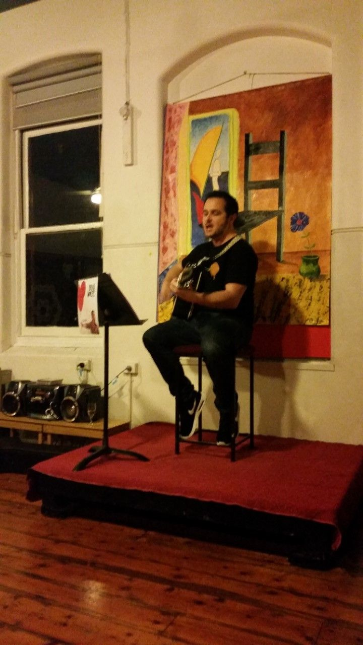 Talented Melbourne singer/songwriter Brad Wolfe singing tracks from his new album, 'The Rise'.