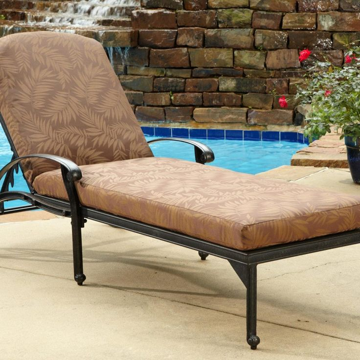 Webbed Outdoor Lounge Chairs
