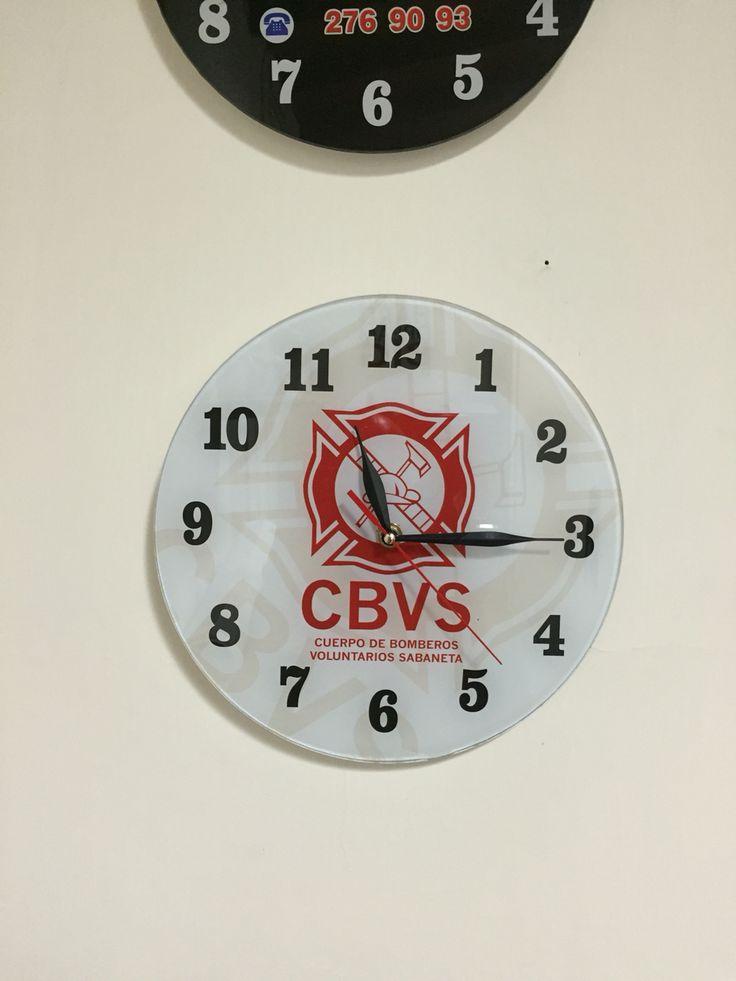 Reloj en vidrio diámetro 28cm - publicitario