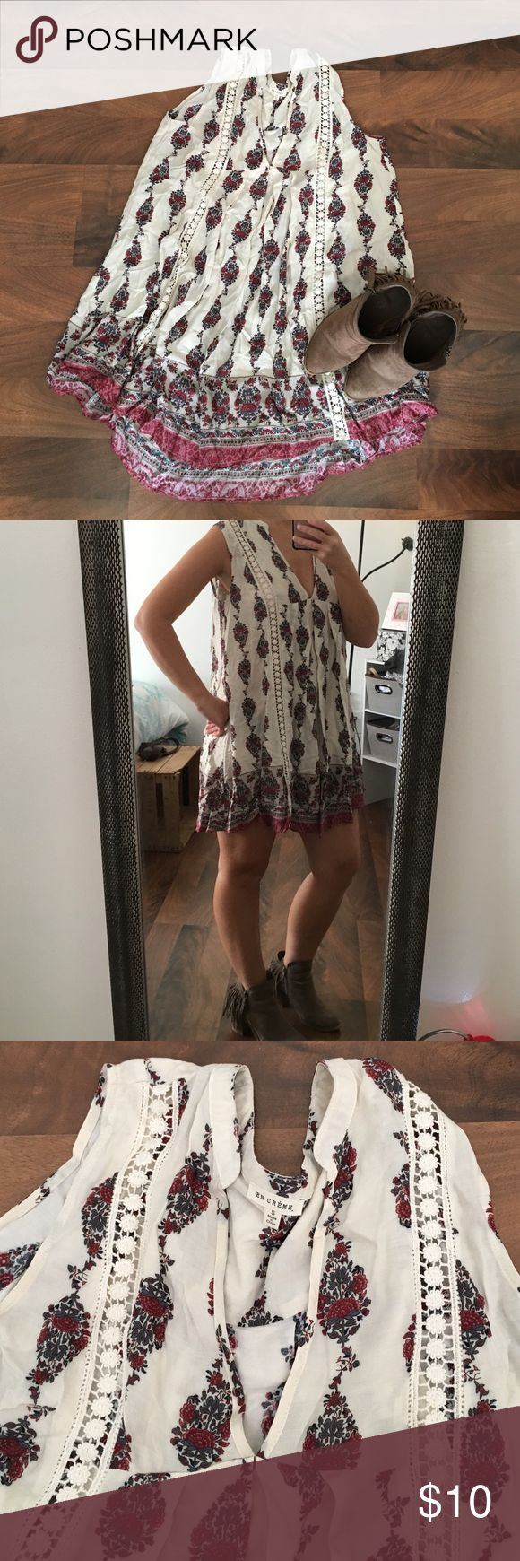 Fall dress from the Mint Julep Boutique! This is a cute flowy dress great from Fall and Spring. Never worn, new without tags. From the online boutique, The Mint Julep Boutique! Dresses Mini