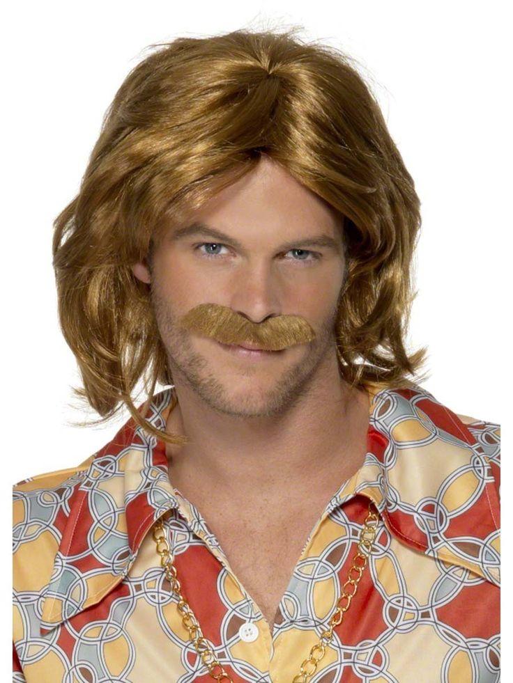 Miesten 70-luvun peruukki ja viikset. 1970-luku sisälsi useita eri tyylejä, esim. hippityyli, disco-muoti, rock-muoti, vihreän aatteen tyyli ja monia erilaisia hiustyylejä.