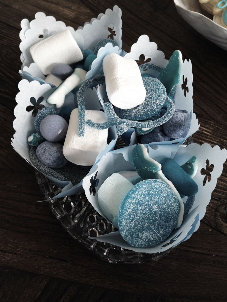 babyshower, suprise, fun, diapercake, cupcakes, pregnant, outandabout, friends, kos, bliss, its a boy, blue, candy, cookies, grapes, straw, decor