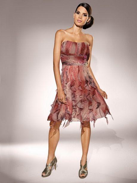 1000 ideas about tenue femme pour mariage on pinterest tailleur femme chic tailleur femme. Black Bedroom Furniture Sets. Home Design Ideas